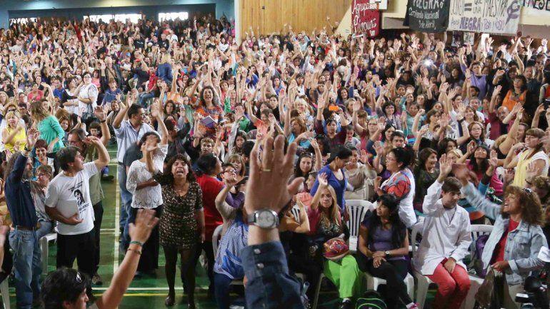 El gremio docente asegura que la Provincia dilata la discusión.