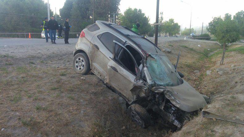 Se cruzó de carril, chocó a una moto y mató a dos mujeres soldados