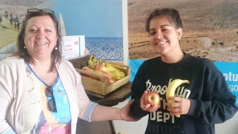 Una iniciativa saludable para que los estudiantes consuman frutas