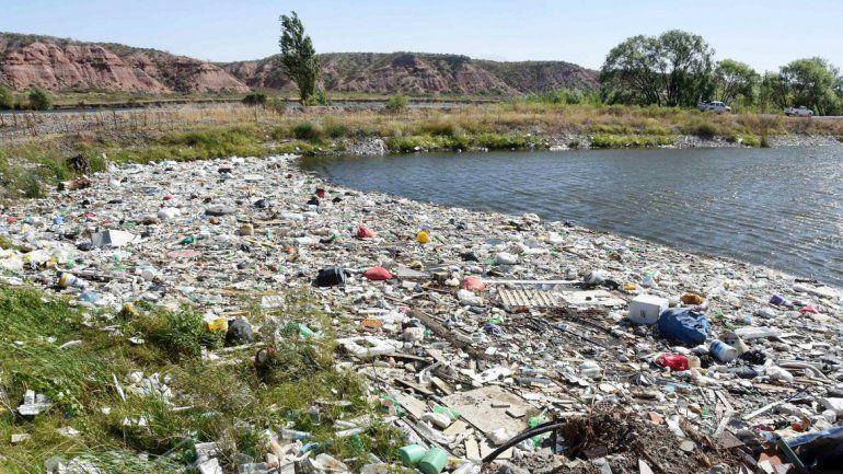 Del lugar ya se retiraron unos 40 mil kilos de basura de todo tipo.