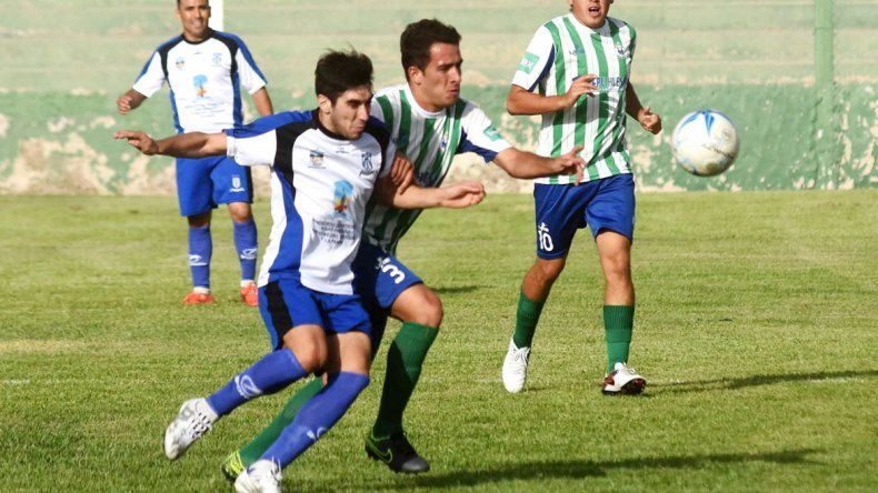 Rincón se hizo fuerte en cancha de Maronese y derrotó 2 a 0 al equipo dirigido por Hugo Silva en el arranque.