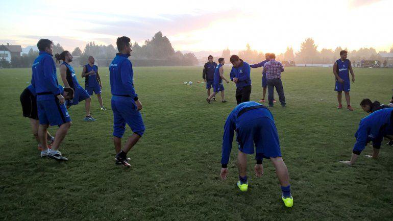 El León hizo los últimos movimientos ayer en Bariloche poniéndose a punto para el primer duelo eliminatorio.