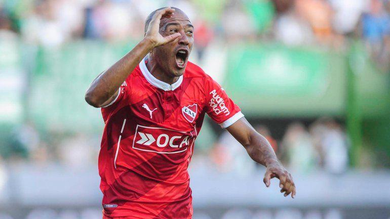 Diego Viruta Vera le ganó la pulseada en el 11 titular al Tanque Denis y respondió con un gol importante. El Diablo ganó otra vez y se mete en la pelea.
