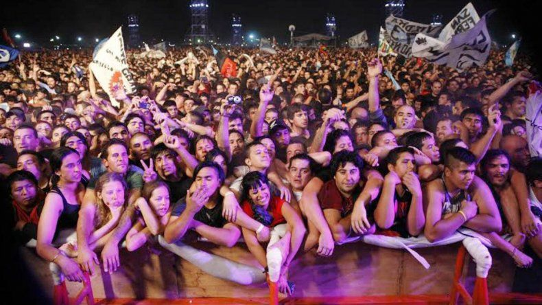 Sus seguidores comenzaron a llegar al hipódromo desde muy temprano para conseguir ver el concierto desde las primeras filas.
