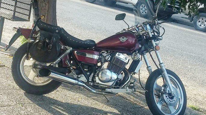 Moto Mondial robada en inmediaciones de la Comisaría Primera.