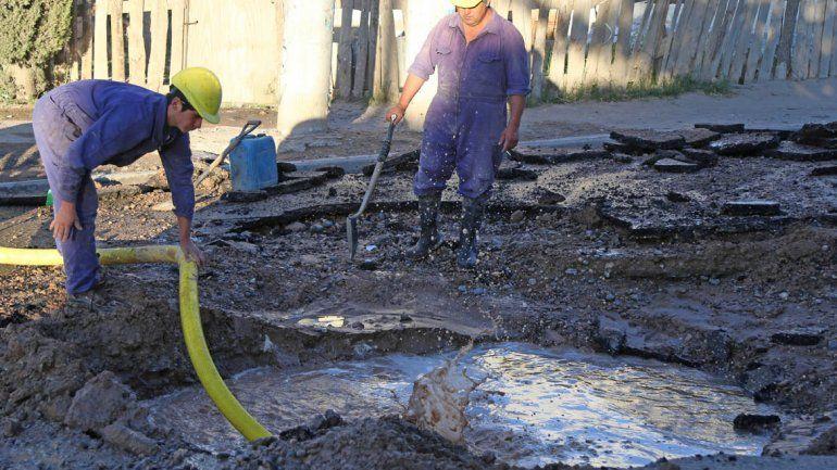 Finalizaron los arreglos de los los caños de gas y agua