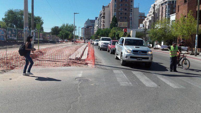 Cortarán el tránsito en calle Leloir por las obras de ensanchamiento