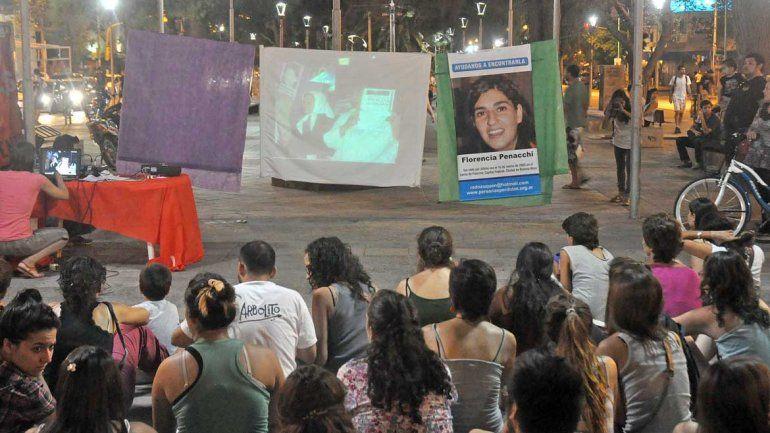 Hace años se movilizan en la ciudad exigiendo la aparición de la joven neuquina