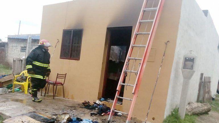 Una de las viviendas incendiadas por la presencia de la anciana en Nogoyá