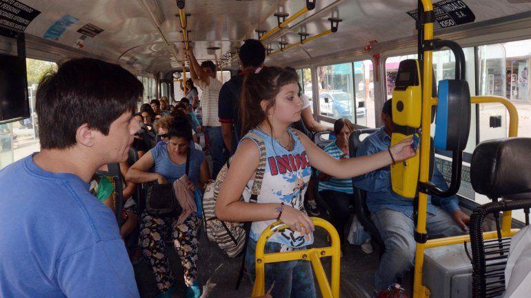 Fue satisfactoria la primera jornada de funcionamiento de la tarjeta SUBE en el sistema de transporte público.