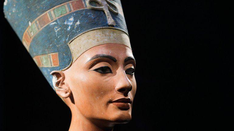 Creen haber hallado la legendaria tumba de la reina Nefertiti