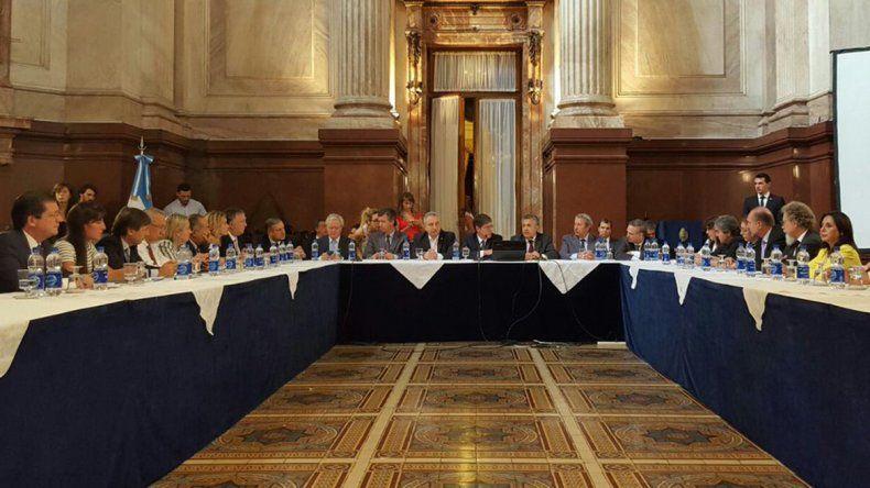 En el Senado, Gutiérrez defendió la ley de acuerdo por los fondos buitre