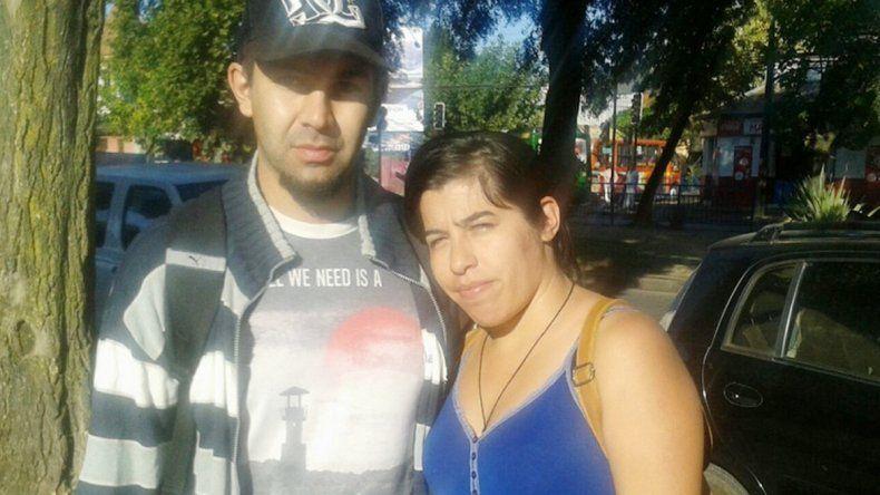 La pareja de Plottier en Chile