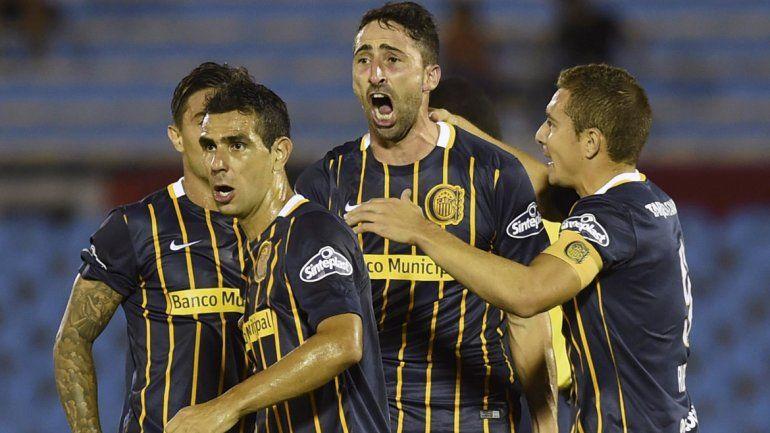El festejo de Donatti y compañía. Central ganó 3 a 1 en Uruguay ante River.