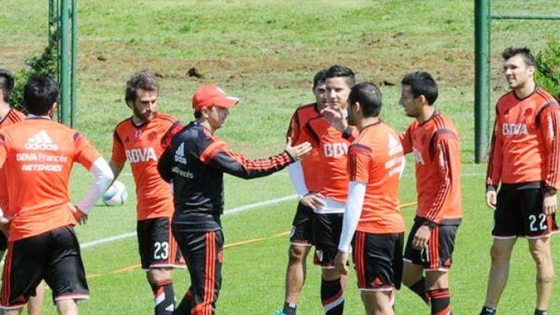 Marcelo Gallardo incluirá a la delantera titular para este partido.