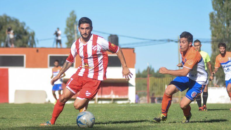 Con gol de Villa, el Rojo neuquino le ganó 1 a 0 a Roca en La Chacra
