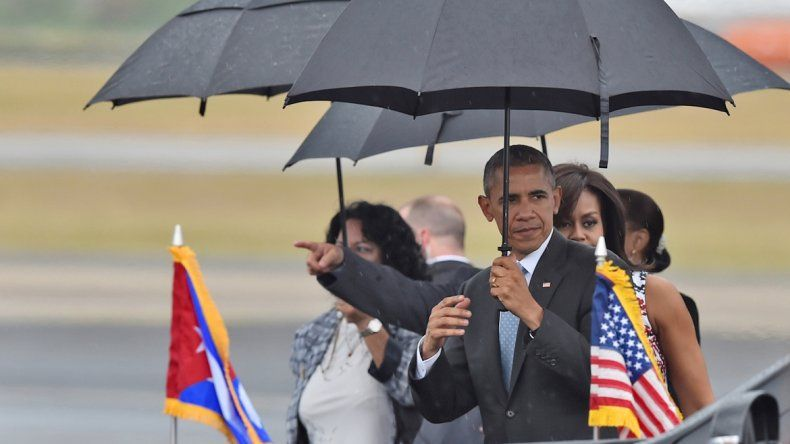 El presidente estadounidense llegó a la isla a las 16:20 de ayer (17:20 hora de Argentina).