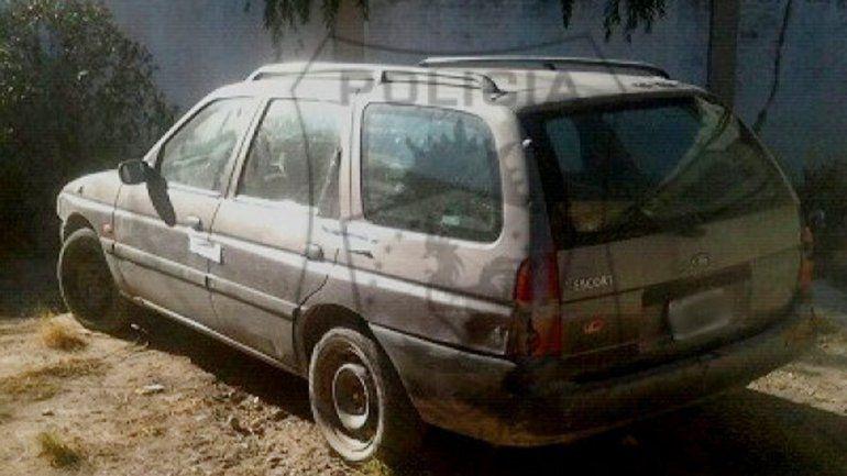 La rural Ford Escort en la que andaba el prófugo era robada.