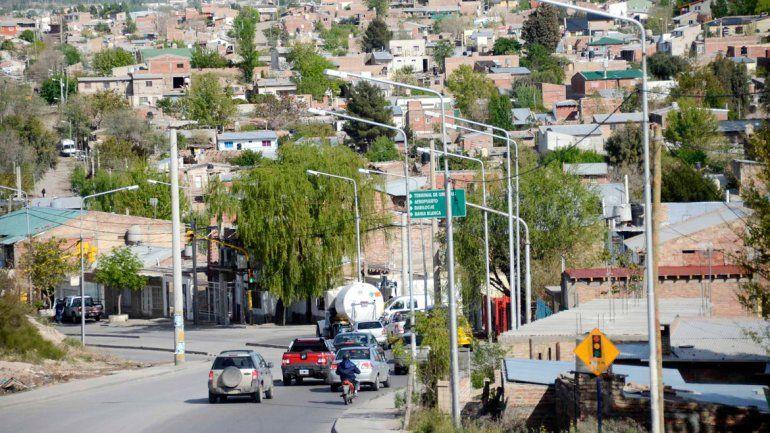 El crecimiento de algunos barrios fue vertiginoso en los últimos años y la convivencia entre los vecinos es difícil.