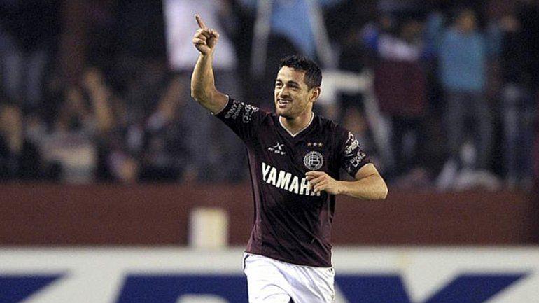 El Laucha Acosta reemplazará al lesionado Pastore ante Chile y Bolivia