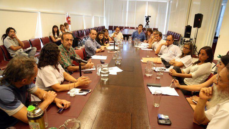 Ayer la oposición se reunió y cerró filas ante el proyecto que busca cobrarles más a las obras sociales.