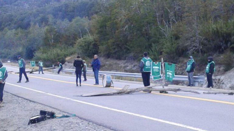 Los trabajadores salieron a la calle por falta de respuestas en varios temas.