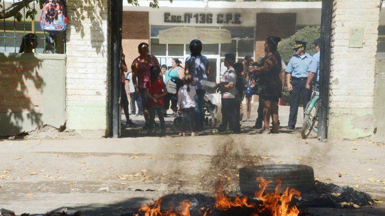 Esperan que el CPE intervenga para que los chicos vuelvan a estudiar.