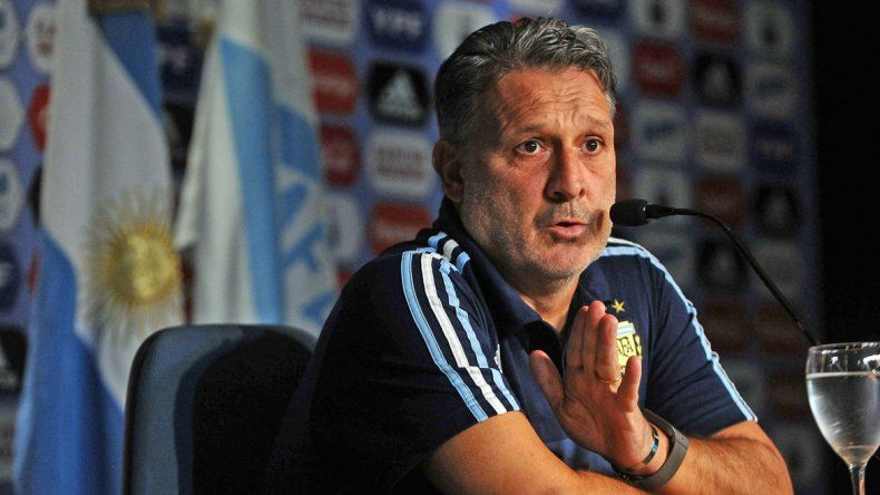 El Tata explicó que tuvo que optar entre Agüero e Higuaín.