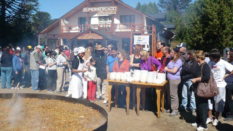 Se viene la tradicional paella Santa de Villa Pehuenia