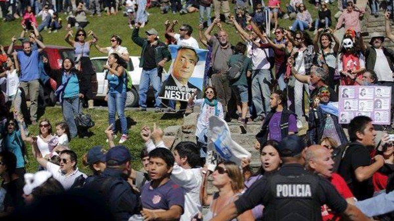 Repudiaron la presencia de Obama en Bariloche