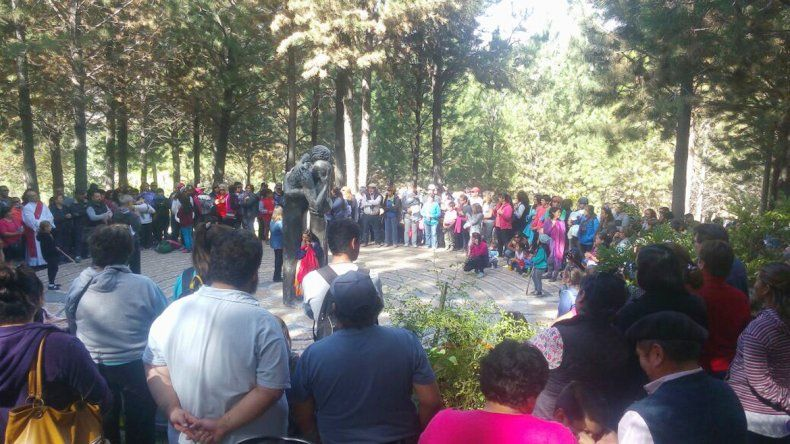 Más de 2.000 personas de todas las edades concurrieron a la ceremonia.