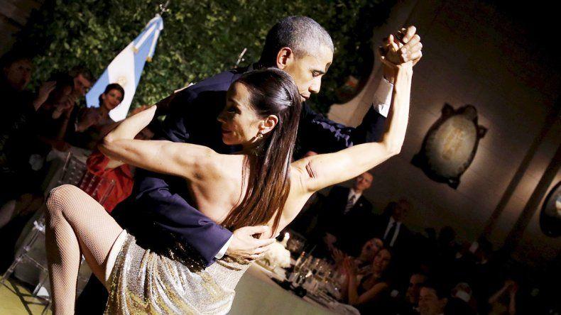 Mora Godoy se animó y sacó a bailar al mandatario norteamericano.