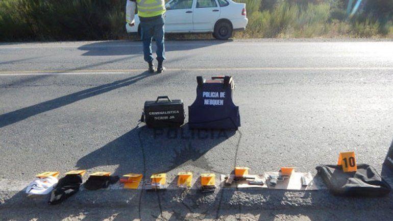 La Policía de San Martín detuvo el auto sospechoso y secuestró armas.