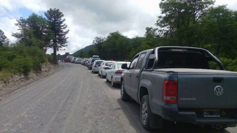 Largas colas para cruzar a Chile