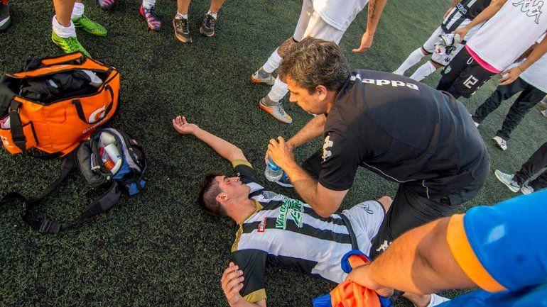 Deportivo Roca y Cipolletti empataron con incidentes al finalizar el encuentro.