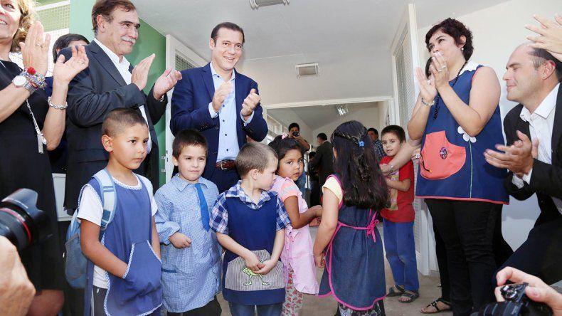 Gutiérrez ayer en la inauguración de un jardín necesario para la localidad.