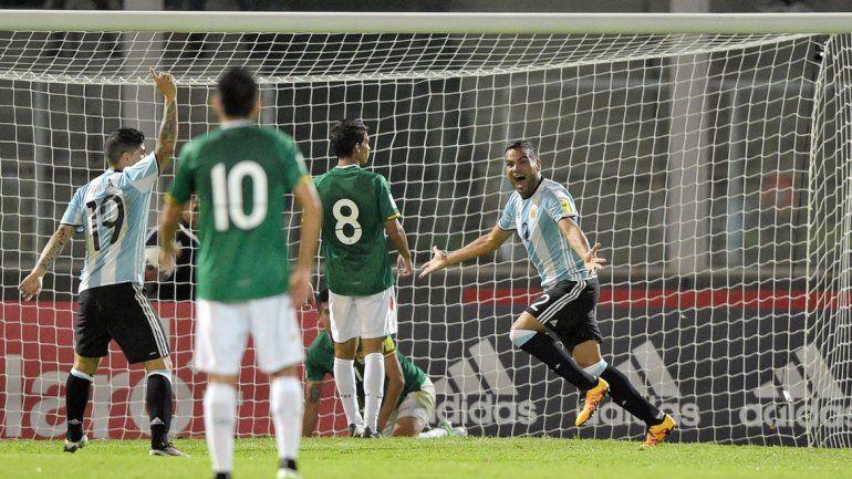 Mercado volvió a convertir en su segundo partido como titular y ya lleva dos goles con la Albiceleste.