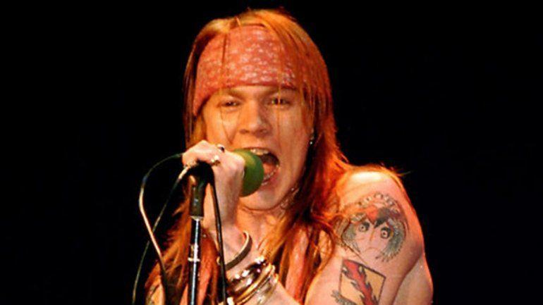 Esta no será la primera vez que Axl Rose interprete temas de AC/DC. Ya lo hizo con su banda Rosie el 28 de junio de 1987 en Londres.