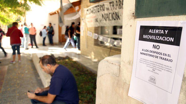Denuncian al menos 25 despidos en organismos públicos nacionales