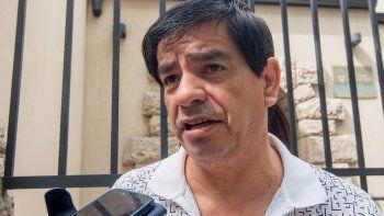 Rubén López, titular del gremio de la fruta, está en la mira de los opositores.