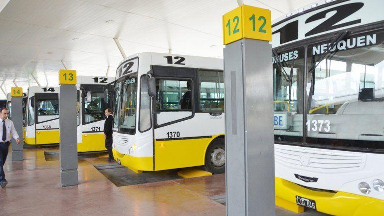 La empresa Autobuses Santa Fe presentó cinco unidades nuevas