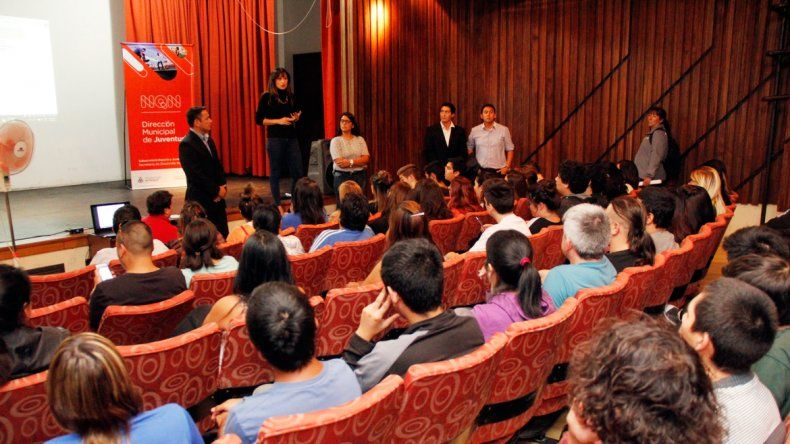 Alrededor de 150 personas participaron de la capacitación.