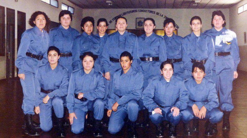 Izquierda: en la Escuela de Cadetes