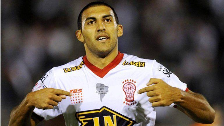 El goleador Wanchope Ábila será de la partida en casa ante los peruanos.