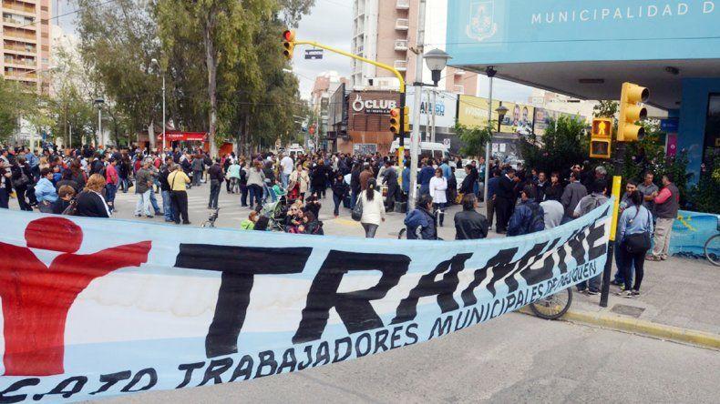 Los municipales habían realizado protestas para reclamar un aumento.