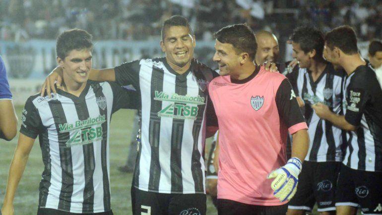 Seguel festejó en el 3-0 de local y ahora quiere ganar en La Chacra.