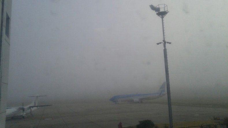 Después de seis horas, el aeropuerto de Neuquén volvió a operar