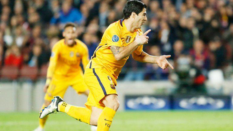 Suárez fue otra vez el héroe del Barcelona para dar vuelta el partido.