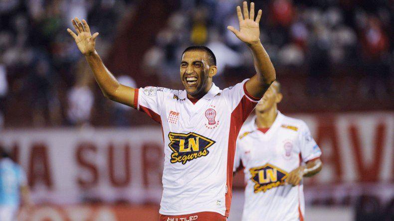 El goleador de Huracán metió el empate y la victoria transitoria.