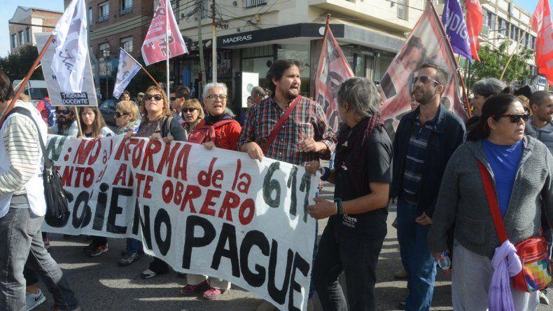 Los trabajadores nucleados en ATE exigieron también la eliminación de la jubilación de privilegio. En tanto